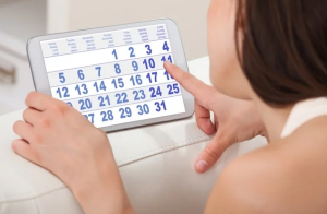 9 causas e o que fazer para menstruação atrasada